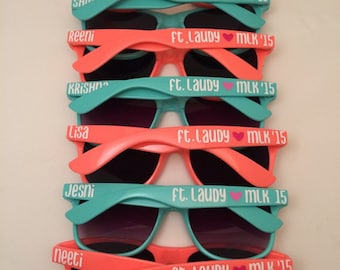 Bachelorette Party Gift, Bridal Party gift, Personalized Sunglasses Groomsman Gift, Family Reunion, Vacation Sunglasses, Wedding Favors