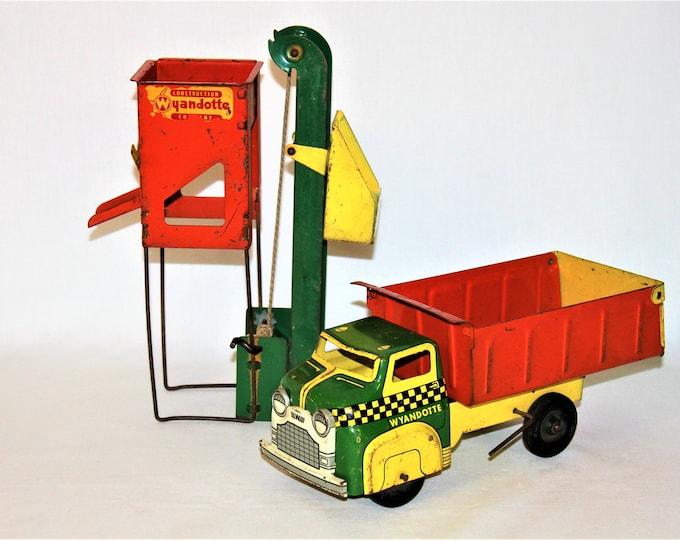 Vintage 1950s Wyandotte Toy Dump Truck and Sand Loader Construction Set