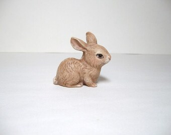 Rabbit, Bunny, ceramic miniature bunny
