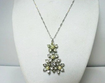 Sarah Coventry Pearl And Rhinestone Pendant Necklace / Silver Tone Floral Pendant / Wedding Necklace