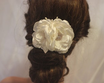 wedding headpiece ivory bridal hairpiece vintage haircomb FREE SHIPPING fabric flower satin and lace haircomb brooch brooches rosegold