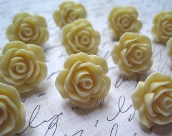 Pretty Push Pins, Rose Thumbtacks, Flower Tacks, Cream Rose Tacks,  Housewarming Gifts, Hostess Gifts, Wedding Favors