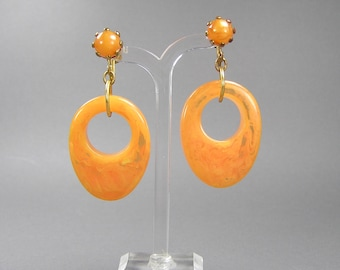 Marbled Tangerine Bakelite Hoop Earrings, Prystal, Statement, Groovy 60's, Clips, Gift for Her, Rockabilly, Vintage Catalin Jewelry, Orange