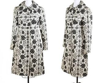 ON SALE 1960s Coat // Lanz Black and White Carpet Bag Mod Floral Botanical Coat