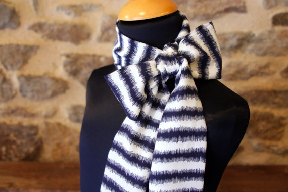 Scarf, Ascot, tie women Navy Blue and white crepe Viscose.noeud Butterfly vintage woman