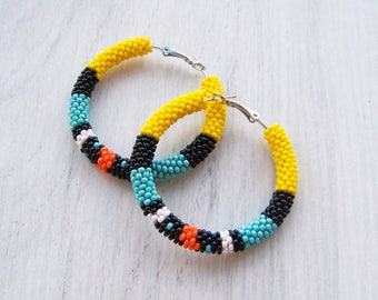 Colorful bead crochet hoop earrings - Beadwork earrings - beaded jewelry - Modern seed beads earrings - Geometric pattern earrings