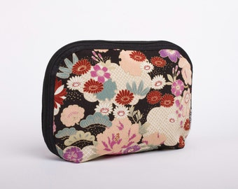 Elegant Kimono bag in black, Japanese kimono fabric travel bag, Traditional kimono print, Trip to Japan, Cherry blossoms, Sakura