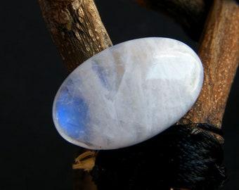 Rainbow Moonstone Cabochon Blue Flashy Gemstone Cabochon 18 Carat Weight RM-30