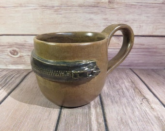 Brown zipper mug