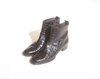 Vintage 90s Black Vinyl Snakeskin Heeled Zip Up Monkey Beatle Boots size 38 (7.5)