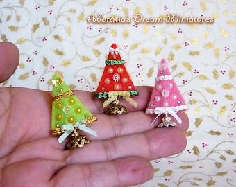 Dollhouse miniature Christmas tree. Dollhouse Christmas accessory 1/12. Christmas miniature fully artisan.