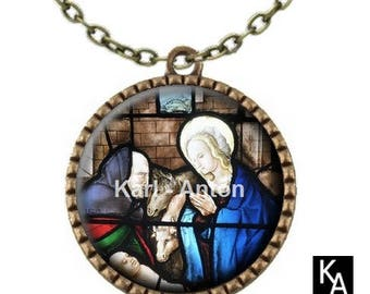 Bronze colored necklace with round pendant + chain pattern stained glass Nativity (676)
