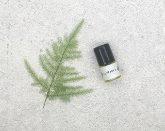 2ml Sample - Alkemiya Natural Botanical Vegan Perfume Oil. Woody, Earthy, Warm. Ginger, Pettigrain, Oakmoss, Patchouli, Sandalwood, Benzoin.