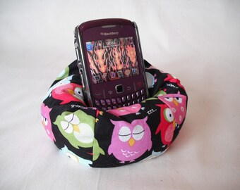 Cell Phone Bean Bag Chair or Kindle Kouch (eReader Rest) Multi-colored Owls on Black