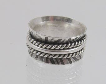 Twisted wire spinner ring