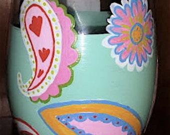 "Hand Painted ""Very Beautiful"" Perfect Paisley Wine Glass"