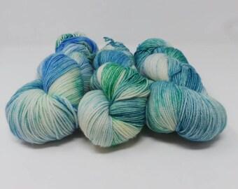 Superstition - 4ply Divine hand dyed yarn – Superwash MCN 80/10/10% Merino / Cashmere / Nylon