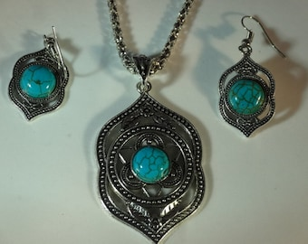 Celtic Sterling Silver Pierced Design Turquoise Pendant Chain Necklace & Earrings Celts Medieval