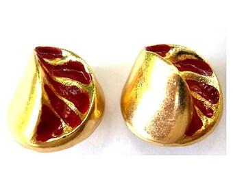 6 Vintage buttons gold color with red unique design 22mm