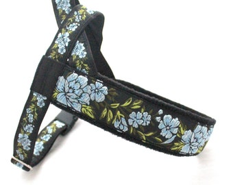 Norwegian elegant black harness with flowers. For dogs, gryehounds, whippet, pugs, bulldogs, Italian greyhound, maltipoo, york, retriver