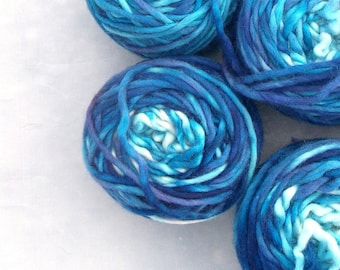 Hand dyed bulky wool yarn, nearly gradient bulky yarn, blue gradient bulky yarn, 58yds.