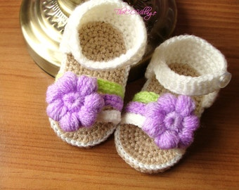 Cream crochet baby sandals, handmade crocheted baby girl shoes with lilac flower, crochet baby shoes