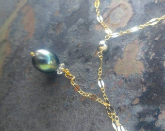 Blue Tahitian Pearl Y-style Necklace in Gold