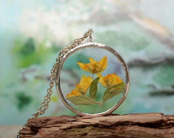 dried flower necklace, glass jewelry, pressed flower terrarium pendant, summer plants jewelry, gift for wife Gardening gift
