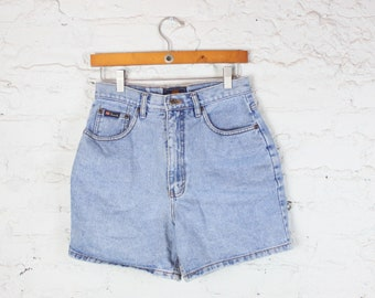 90's Route 66 High Waisted Denim Shorts in Size 8 Medium Washed Pockets 1990s