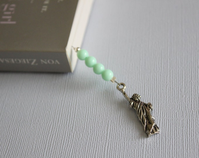 Statue of liberty beaded bookmark/ book thong.