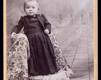 approx 1900s vintage photo  toddler girl on Floral Tapestry Cabinet Card