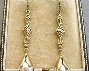 Elegant Vintage Cream Glass Faux Pearl Drop Earrings