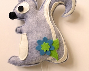 music box squirrel (grey)