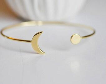 Adjustable cuff bracelet brass 16K - Moon Bangle Bracelet