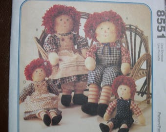 McCall 8551 Raggedy Ann and Andy Dolls and clothes
