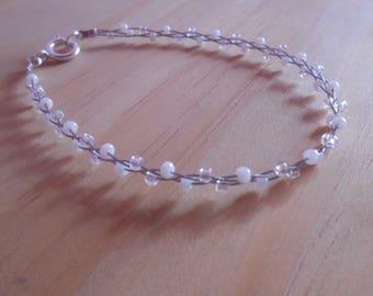 Trendy bracelet white seed beads