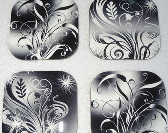 set of 4 coasters glass flower, black and white,