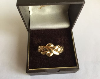 18ct gold puzzle ring