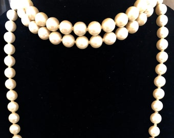 Vintage Long (58 in.) Hand Knotted Cream Pearls