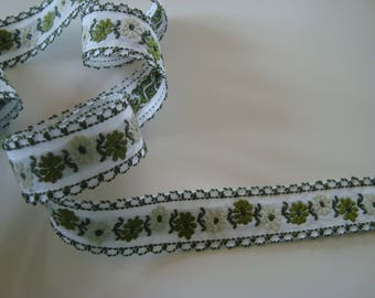 2.15 meter fancy embroidery flowers 19 mm wide green and white stripe Ribbon