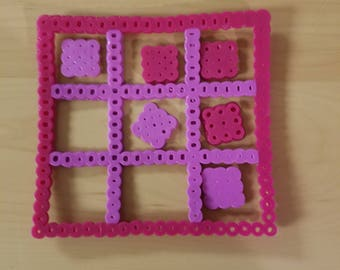 Perler beads, tic tac toe, perler bead art, purple, burgundy