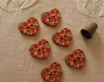 6 buttons painted wooden hearts / Red