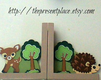 Handpainted wooden bookends with forest creatures,forest themed bookends,personalized gift,fox,deer,porcupine,raccoon,kids bookends,personal