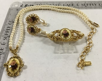 Used - 1928 matching roses pendant necklace 15 inch with 3 inch ext clip-on earrings and brooch pin