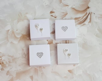 20/50 White wedding favors, bridal party gifts, bridesmaid gift box, bridal shower favors, hen party favors, favor boxes, winter wedding
