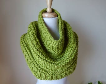 Knit Cowl, Knit Neck Warmer, Textured Cowl Neck Warmer in Leaf Green - Acrylic - Soft Cowl - Warm Cowl - Gift for Her