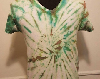 Vintage handmade Green and White Tie Dye  Shirt
