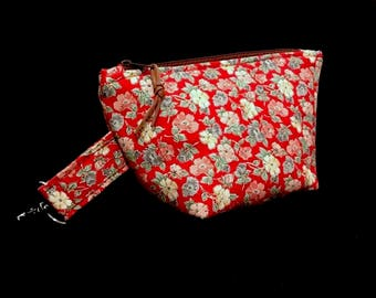 Red cosmetic bag * flowers * size S with carabiner make-up bag beauty case * flowers red *.