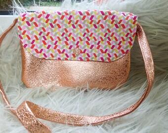 Pretty little purse girl