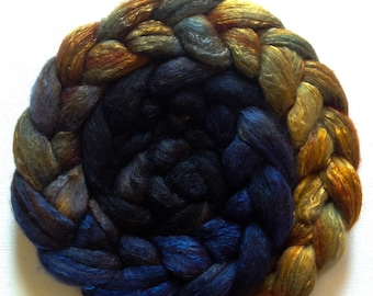 Hand Dyed gradient roving 3ozs polwarth mulberry silk 70/30 MTO Hades